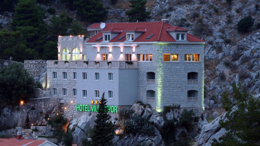 Villa Dvor, Kroatien