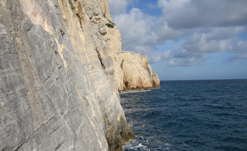 Die Wände von Capo Noli (Italien)
