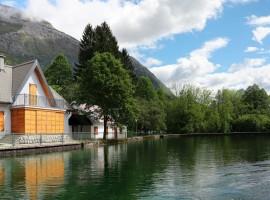 Plužna See. Grünes und umweltfreundliches Reisen nach Slowenien