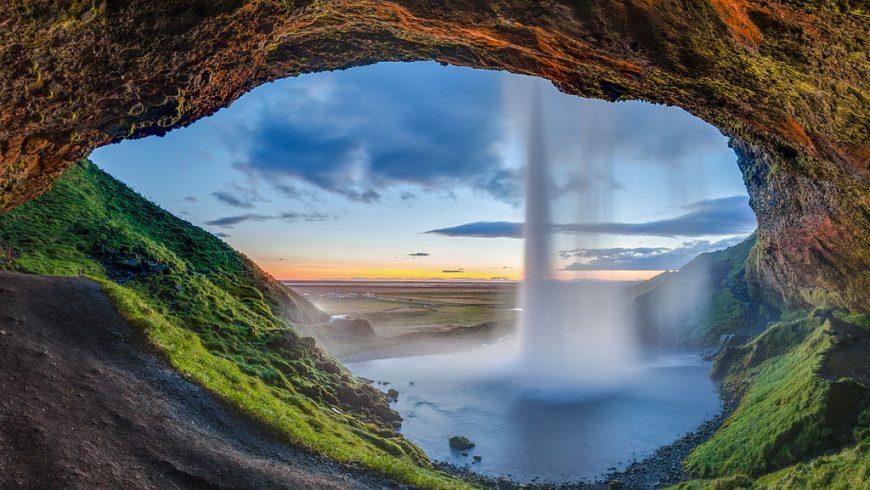 Seljalandsfoss_Suðurland_Islanda